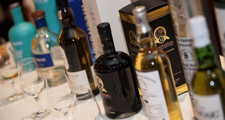 Merry X-mas: 6 edle Whiskys und ein Gourmet-Menü